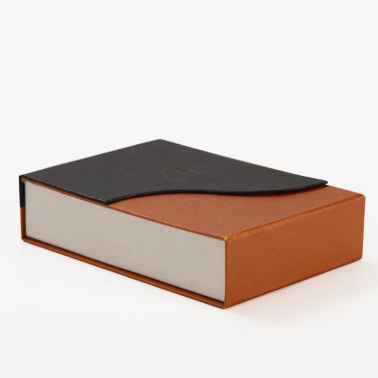 Special Shape New Style Clamshell Box with Magnetic Closure